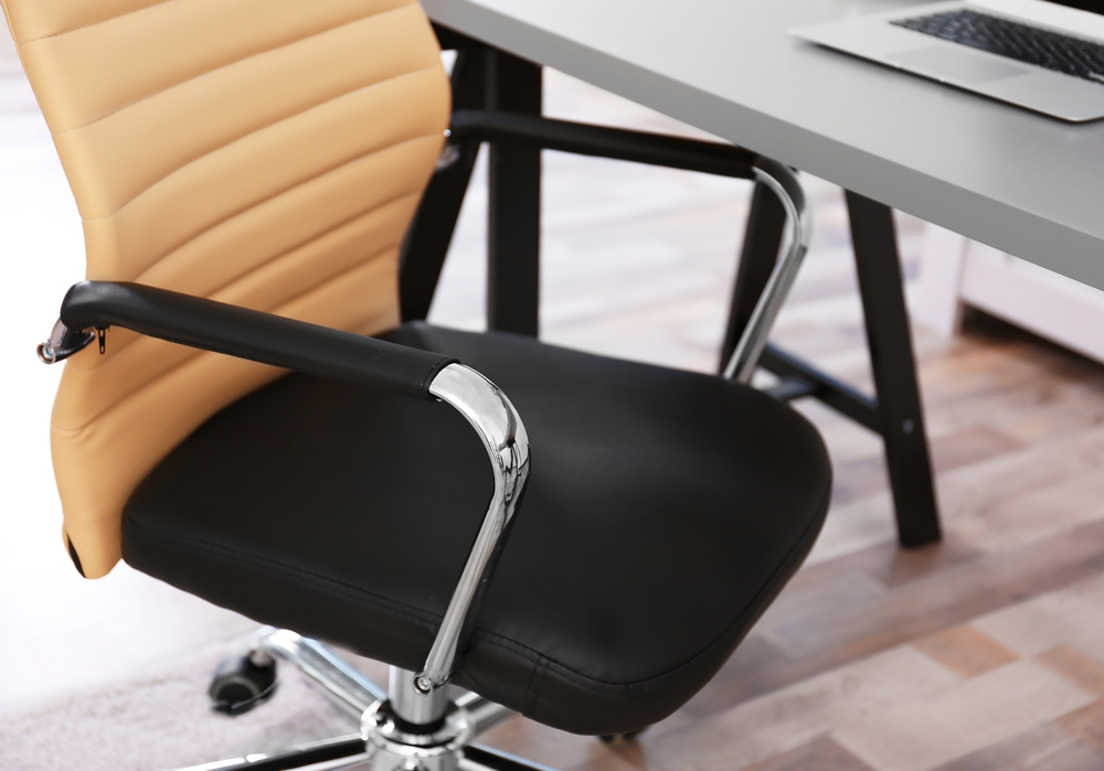 Mit einer Checkliste Bürostuhl den perfekten Schreibtischstuhl kaufen