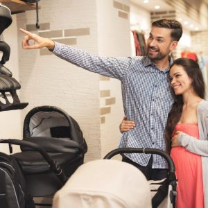 Eine Checkliste Kinderwagen hilft beim Kinderwagenkauf die richtige Wahl zu treffen