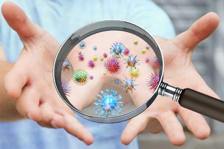Auf welchen Oberflächen sammeln sich Bakterien und sollte ich reinigen nach der Erkältung?